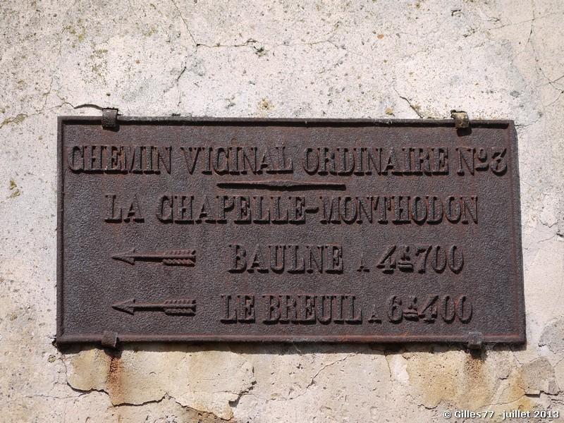 02 LA CHAPELLE MONTHODON 1 rue de Clairefontaine