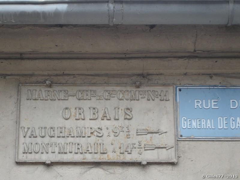 51 ORBAIS D11-sur une maison milieu rue du Gl de Gaulle
