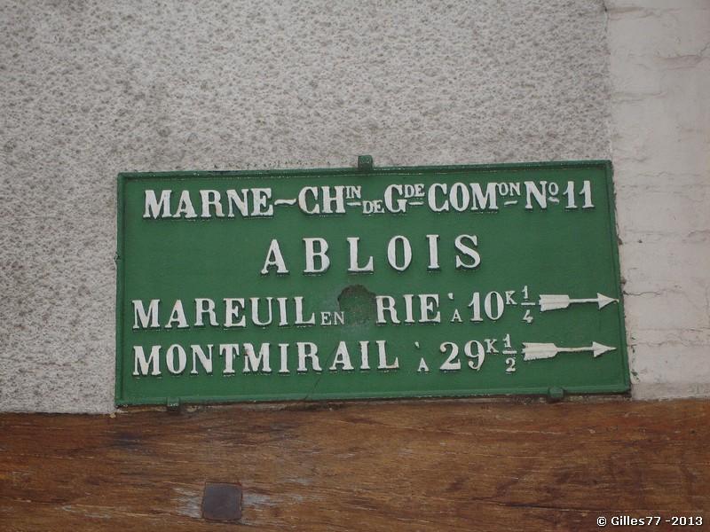 51 ST MARTIN D ABLOIS CD11 rue Julien Duclos, maison a gauc