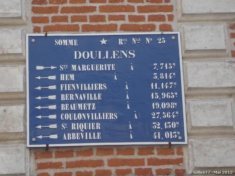 80 DOULLENS 4 rue des Boucheries (facade Credit Agricole)