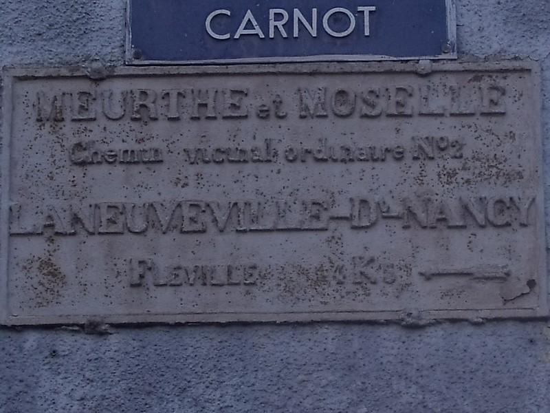 Laneuveville devant Nancy rue Carnot les 2 plaques sont da