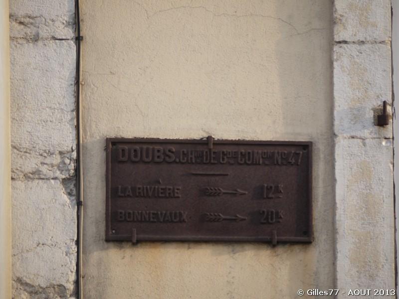 25 PONTARLIER 17 place Morand, entrée de la gare