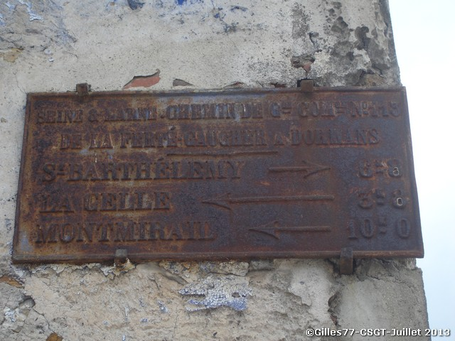 77 MONTDAUPHIN Rue St Loup - Rue du Tilleul