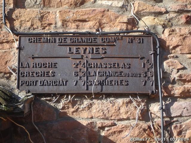 71-LEYNES-CD31-sur-la-facade-du-n-306.jpg