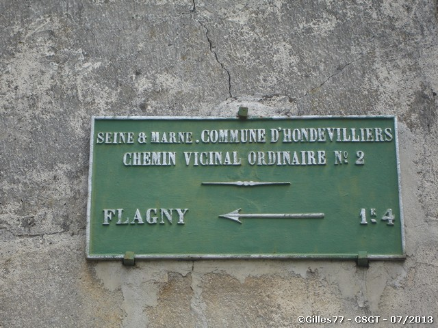 77 HONDEVILLIERS place du Montcel