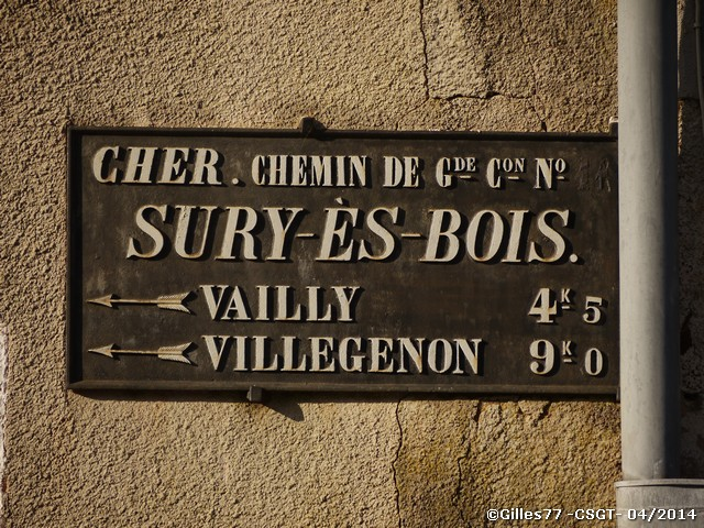18 SURRY ES BOIS CD926 face au N°84