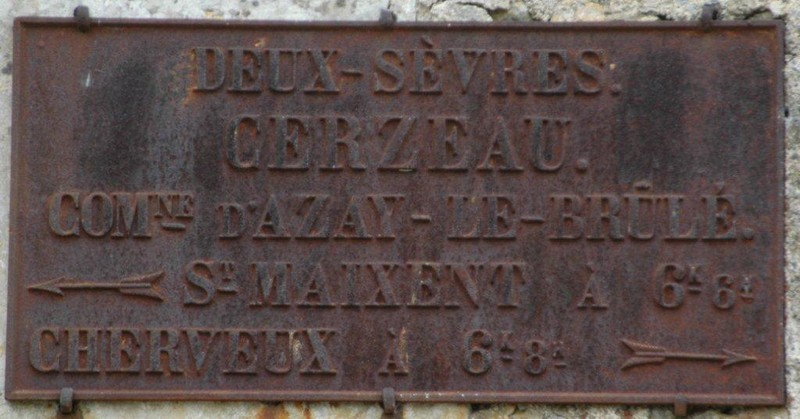 79 AZAY plaque routière début 20 ème 9144