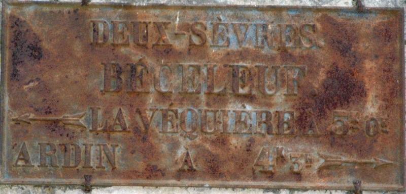 79 BECELEUF plaque routière 1471